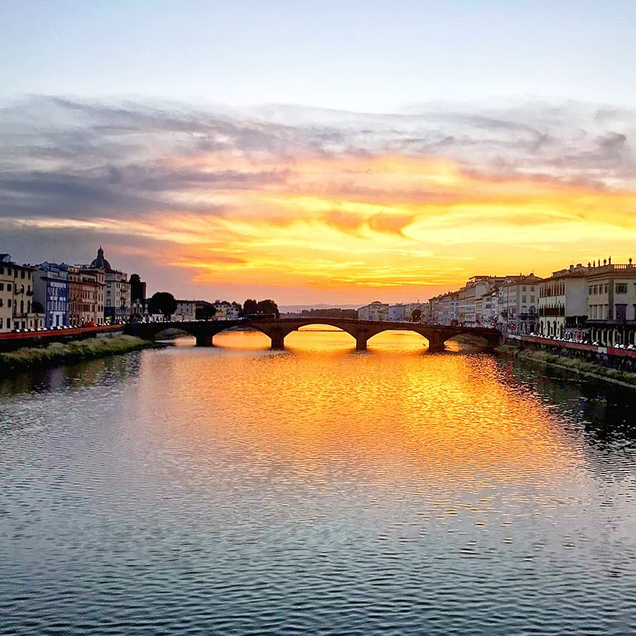 Living in Florence, Italy :: Sunset from Ponte Santa Trinita