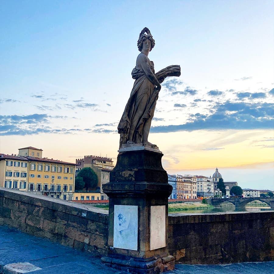 Living in Florence, Italy :: Estate on Ponte Santa Trinita