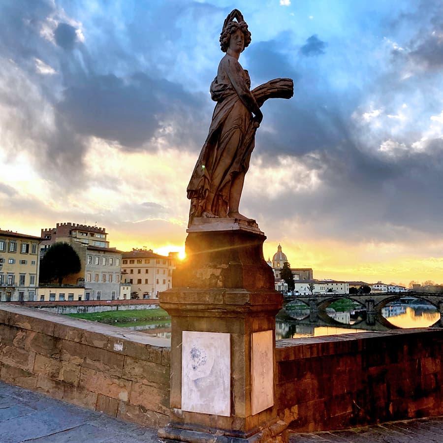 Living in Florence, Italy :: Estate - Ponte Santa Trinita