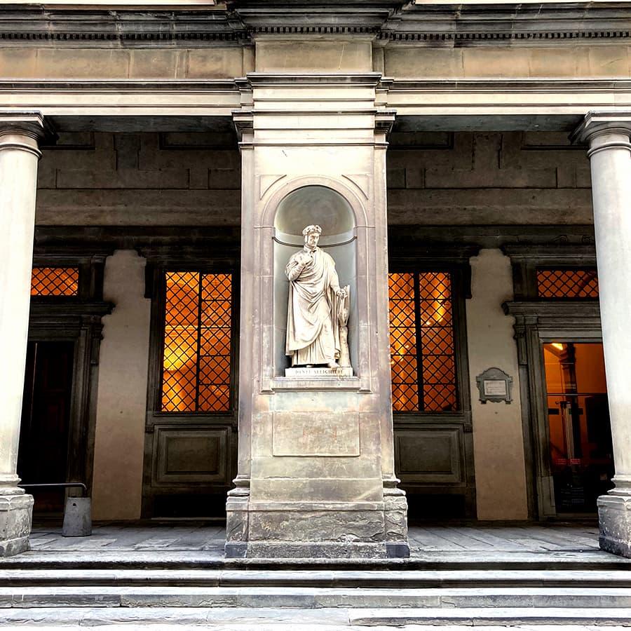 Living in Florence, Italy :: Piazzale degli Uffizi