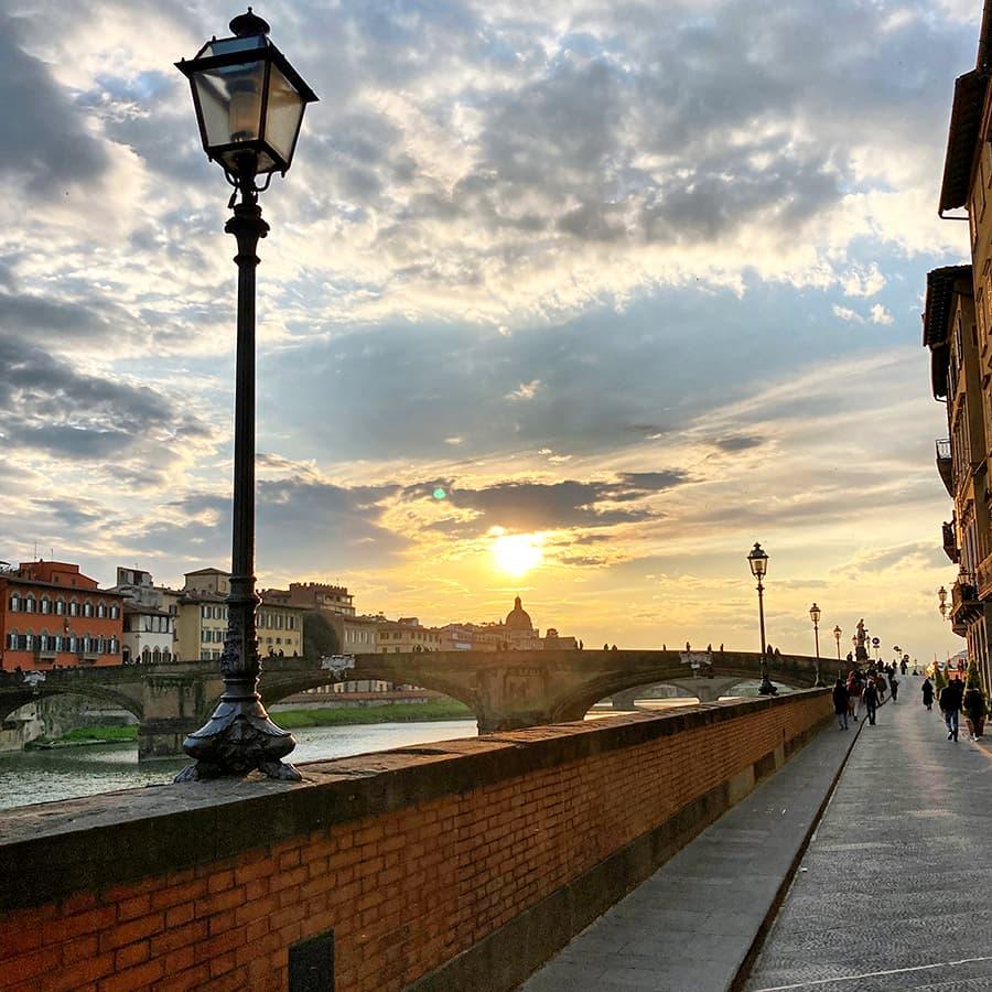 Living in Florence, Italy :: Lungarno degli Acciaiuoli