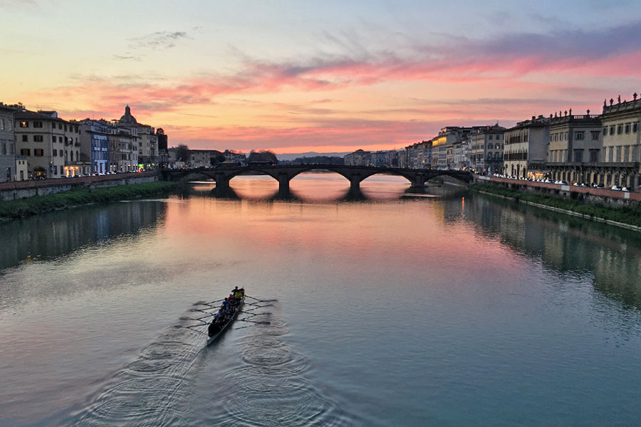 Living in Florence - Being present on the Ponte Santa Trinita