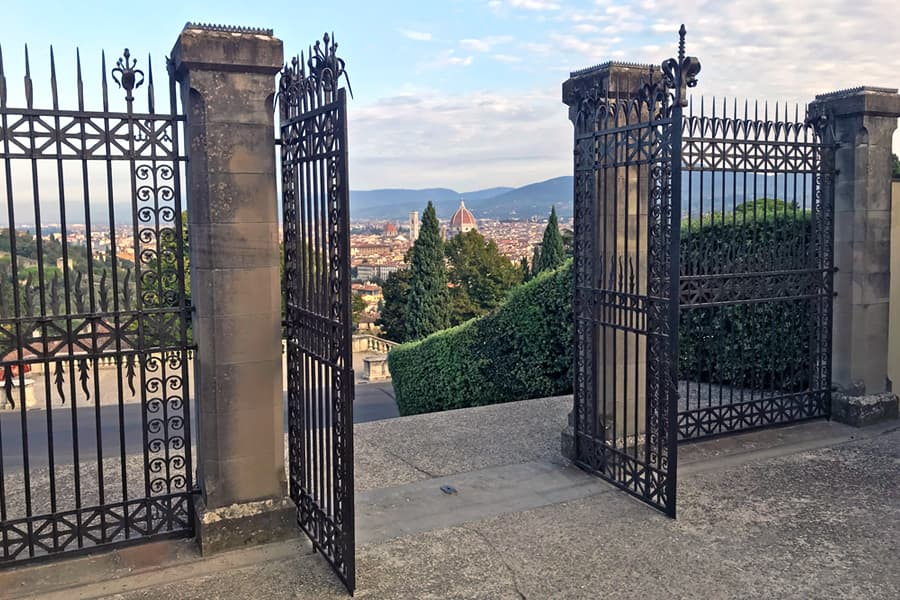 Living in Florence - The Duomo emanates love
